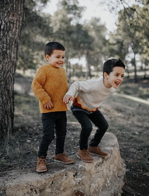 Fotografía niños en el monte